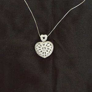 White gold 14k heart locket